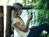 Joven con el móvil
