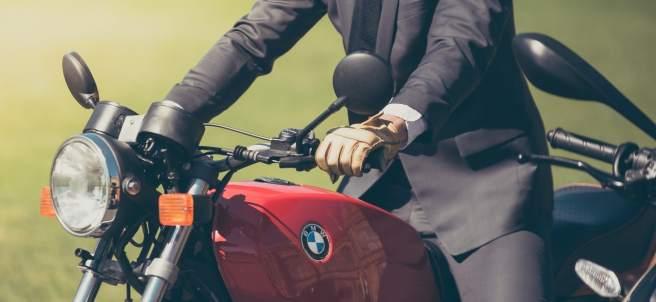 ¿Conduces tu moto de forma segura? La DGT te recompensa con puntos