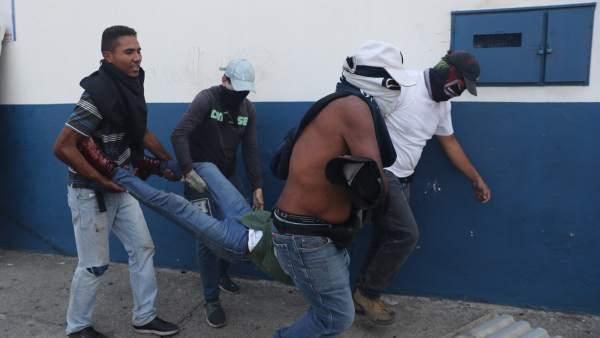 Heridos en Caracas