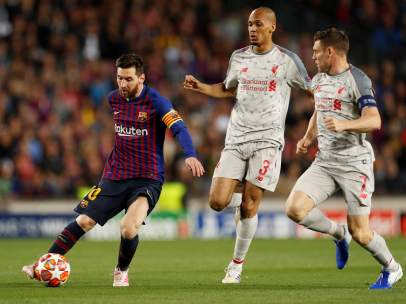 Messi ante el Liverpool