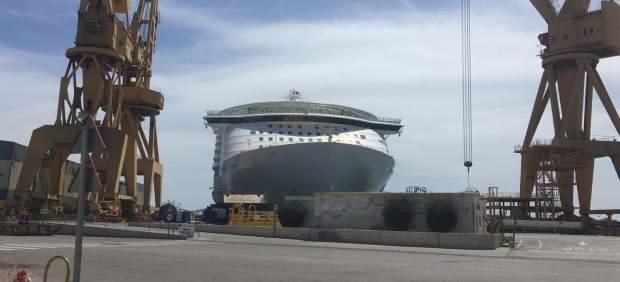 Cádiz.-El 'Oasis of the Seas' pone rumbo a Barcelona este jueves tras ser reparado en Navantia de su percance en Bahamas