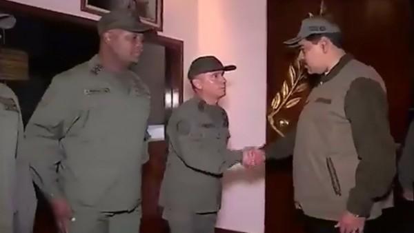 Nicolás Maduro durante la marcha militar