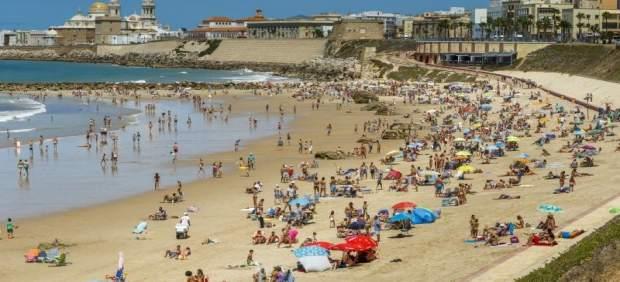 El Ayuntamiento de Cádiz activa el domingo la pretemporada de playas coincidiendo con la Semana Santa