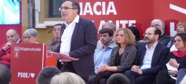 26M.- Cruz Viadero Cree Que PSOE Tiene 'Las Mejores Cartas' Para Ganar En Torrelavega Y Hacer Que La Ciudad 'Despegue'