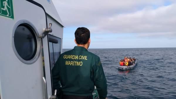 Rescates de pateras en el mar en Cádiz