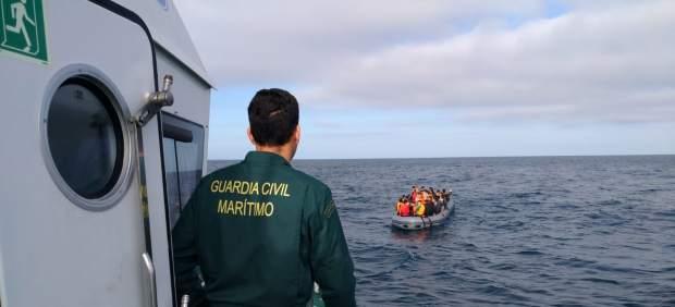 AMP.- Ascienden a 205 los migrantes rescatados en el mar en Cádiz a bordo de varias pateras