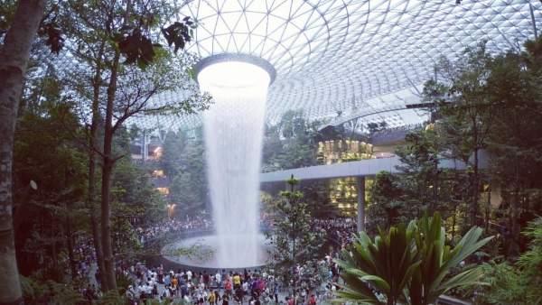 Cascada del aeropuerto de Singapur