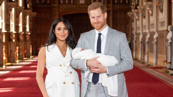 Los duques de Sussex presentan a su primogénito
