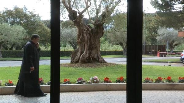 Asistente al XIV curso sobre exorcismo y plegarias de liberación en Roma