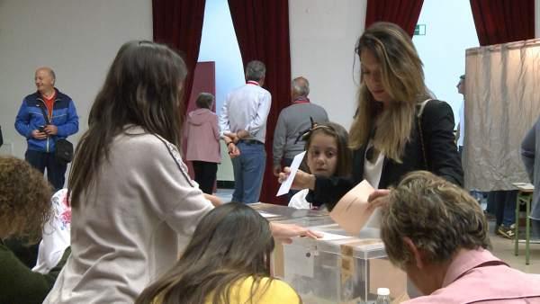 28A.- Electores extremeños destacan la importancia de ejercer el derecho al voto