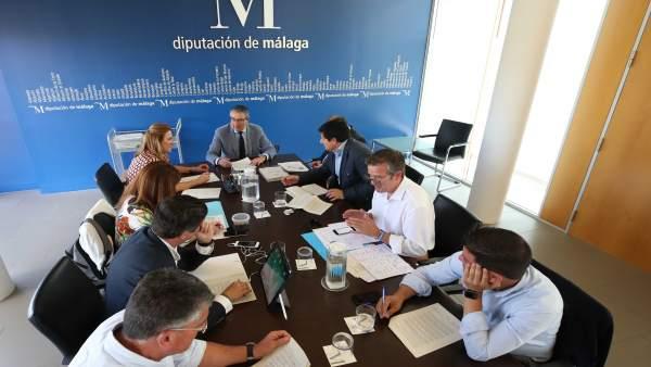 Málaga.- La Diputación de Málaga aprueba proyectos de obras que rozan los 600.000 euros en ocho municipios