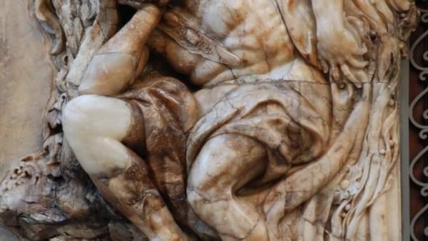 El Museo Nacional de Cerámica realiza trabajos de conservación en la portada de alabastro