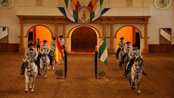 La Real Escuela Andaluza del Arte Ecuestre de Jerez programa 106 exhibiciones para 2019