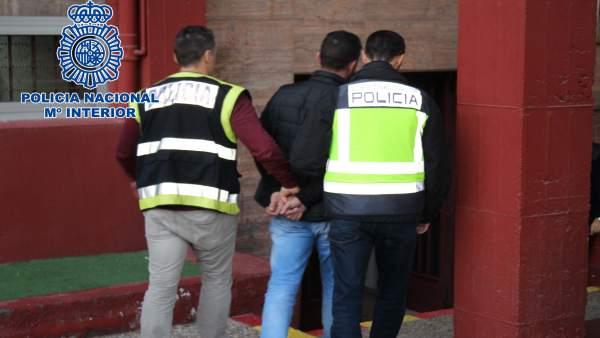 Almería.- Sucesos.- Dos detenidos acusados de herir de gravedad a dos hombres en locales de copas de la capital