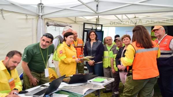Granada.- Un centenar de operativos prueban en un simulacro en Iznalloz los protocolos en caso de incendio forestal