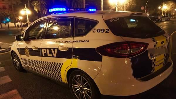Detingut per presumptament agredir la seua exparella en un carrer de València gràcies a l'avís de tres joves