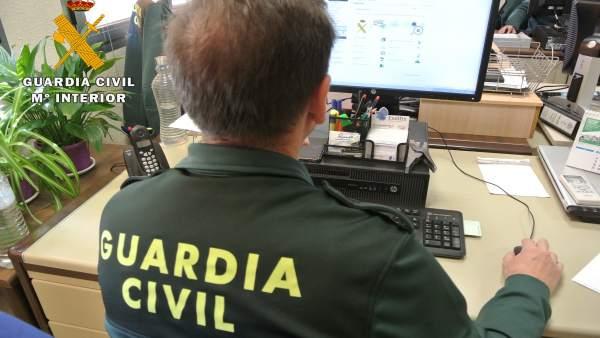 Detingut per presumpte assetjament a 45 xiquetes espanyoles i llatinoamericanes en busca de fotos o relacions sexuals