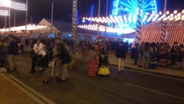 Sevilla.- El lunes de Feria deja 222 toneladas de basura, 183 asistencias sanitarias y once alcoholemias positivas