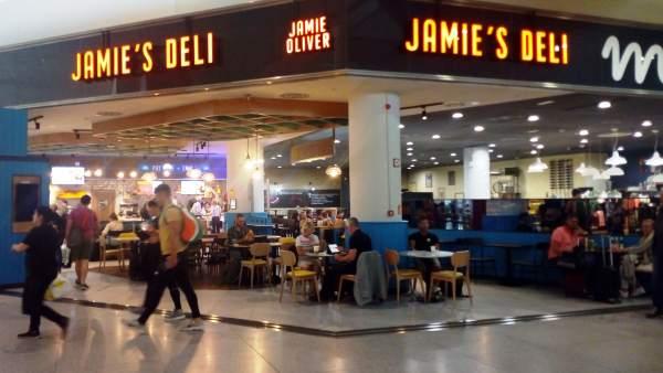 Málaga.- Turismo.- El aeropuerto de Málaga inaugura el nuevo restaurante del chef británico Jamie Oliver