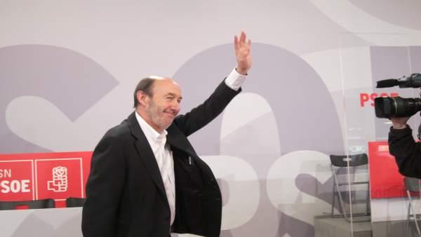 Rubalcaba En La Clausura Del Congreso Del PSOE En Navarra
