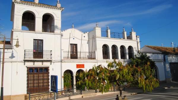 Sevilla.- La Puebla de Cazalla invertirá su superávit en suelo industrial y en el hogar del Pensionista