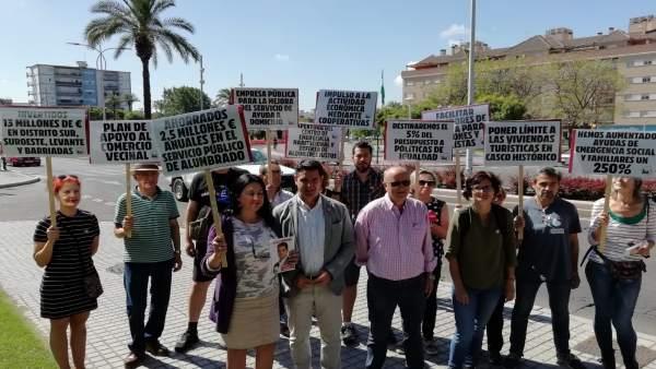 Córdoba.- 26M.- García destaca que IU ha invertido cinco millones en el Distrito Sur frente a los 650.000 euros del PP