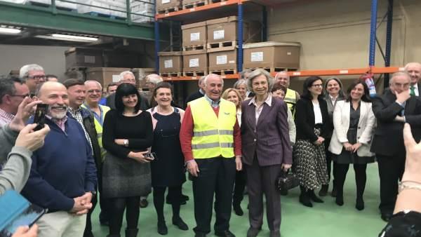 La Reina doña Sofía visita el Banco de Alimentos de Bizkaia