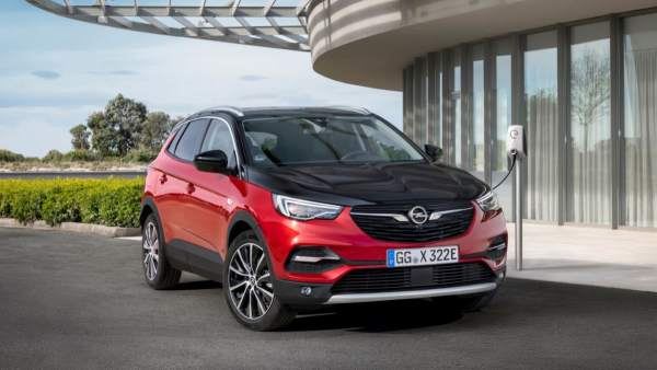 Opel Grandland X híbrido: 300 caballos y tracción total