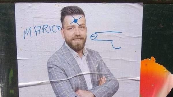 El alcalde de San Martín de la Vega (PSOE) sufre pintadas en sus carteles de campaña con la palabra 'maricón'