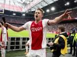 De Ligt celebra un título con el Ajax