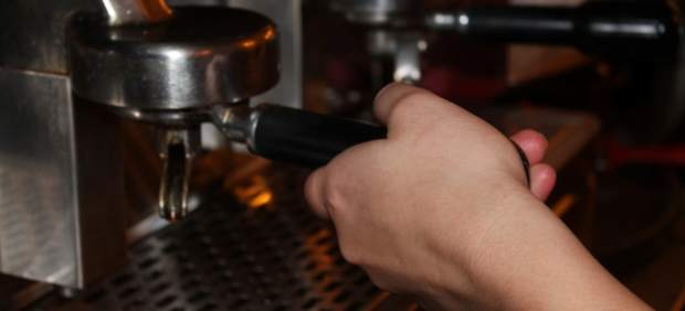 Investigan por qué tomar café lleva a hacer de vientre, y no es precisamente por la cafeína