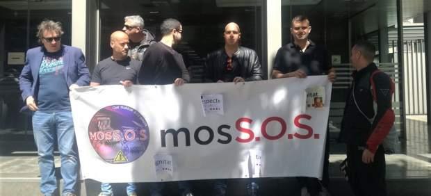 Sindicalistas de Mossos se encierran en la Conselleria de Interior pidiendo negociar.