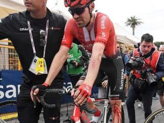 Tom Dumoulin, tras su caída en el Giro