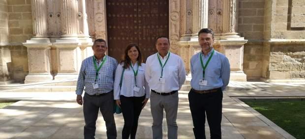 Córdoba.- La Plataforma Aparcamientos Reina Sofía se reúne con portavoces de la Comisión de Salud del Parlamento andaluz