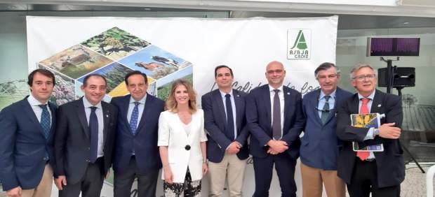 Cádiz.- Mestre asegura que la Junta ya mejora la política agraria de la provincia para que recupere su liderazgo