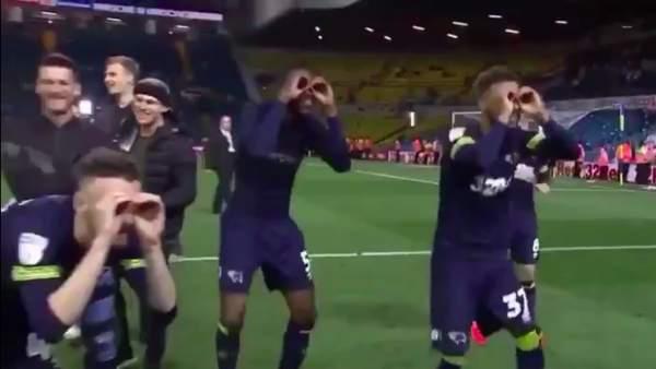 Los jugadores del Derby County trolean a Bielsa