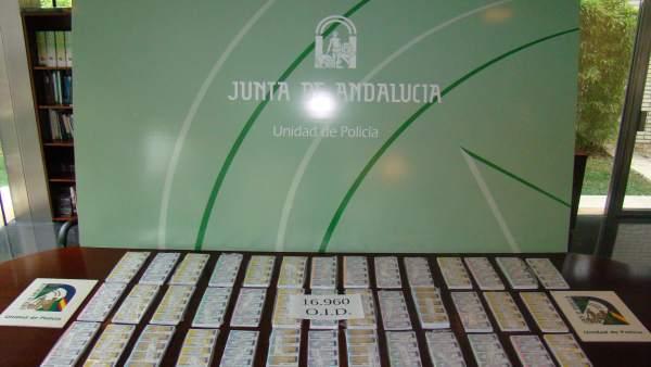 Córdoba.- Sucesos.- La Policía adscrita a la Junta interviene casi 17.000 boletos de lotería ilegal