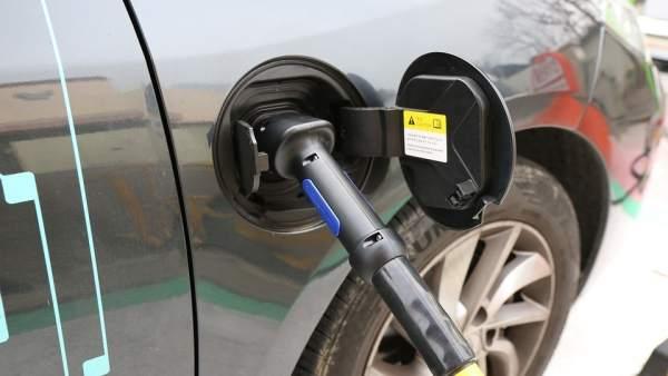 Solo el 10% de los coches en España será eléctrico en 2030