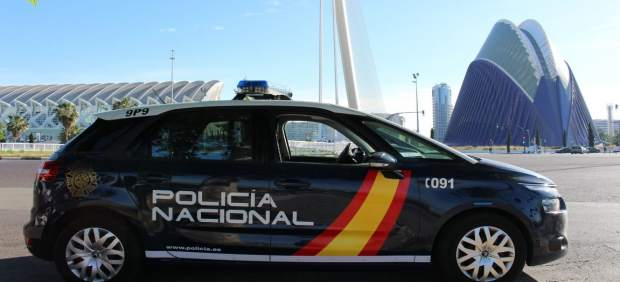 Coche de policía en València
