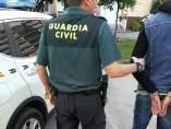 Guardia Civil en una detención.