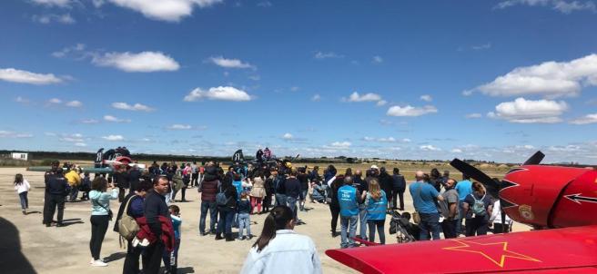 Aviación Sin Fronteras celebra su XX aniversario junto a colectivos con capacidades diferentes en Aeródromo Casarrubios