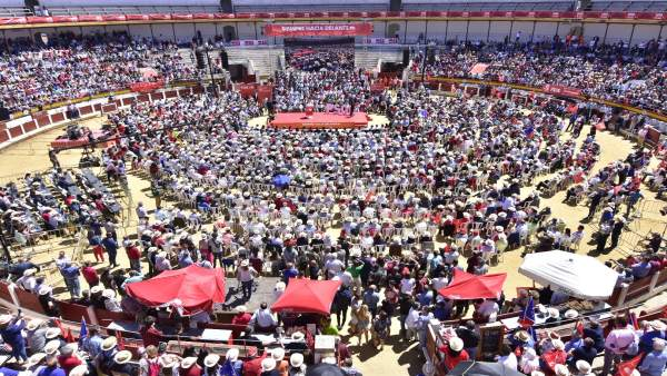 AV.- 26M.- Sánchez llama a sacar 'tarjeta roja' a las tres derechas, que buscan 'sumar para gobernar y restar derechos'