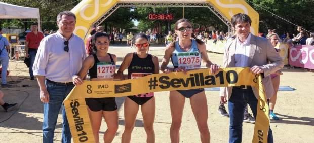 Sevilla.- Manuel Olmedo y Mamen Ledesma ganan la Carrera Popular Parque de Miraflores, con más de 8.500 corredores