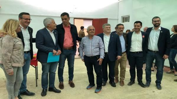 26M.- Saavedra Entrega A Pedro Sánchez Una Carta Con Los Problemas Ferroviarios Que Afectan A Alcantarilla