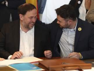 Junqueras firma su acta de diputado