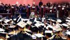 Un millonario pagará la deuda de los 400 graduados de una universidad