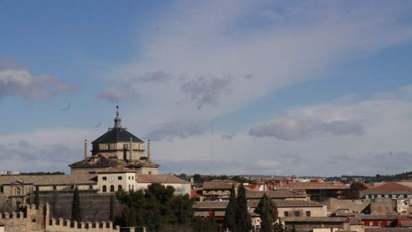 Toledo, Cielo, Nubes dispersas, Edificios, Fachadas, Tiempo