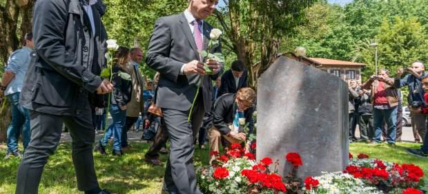 Urkullu y Rementería rinden homenaje en Galdakao (Bizkaia) a las víctimas de la Guerra Civil