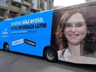 Autobús contra Isabel Díaz Ayuso por ser como la izquierda más radicalizada