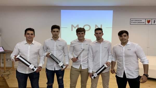 Una startup d'estudiants valencians llança al mercat un ganivet de pernil antitalls